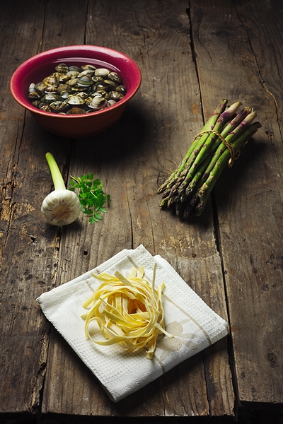 Tagliatelle con Asparagi e Vongole Veraci - Tagliatelle with Asparagus and Clams